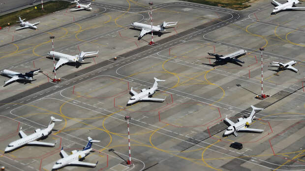 Авиакомпании спасаются грузоперевозками