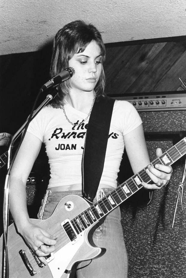 Джоан Джетт, 1976 год