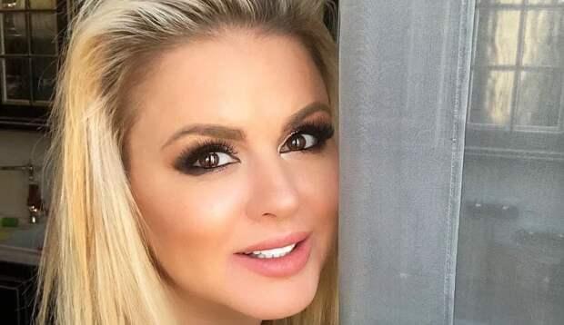 Анна Семенович попалась на фотошопе