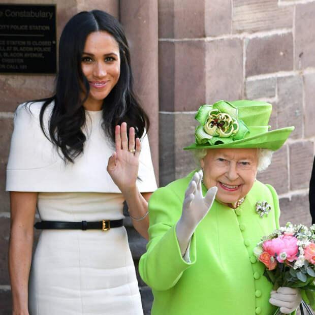 Королева Елизавета II впервые отреагировала на нашумевшее интервью Гарри и Меган