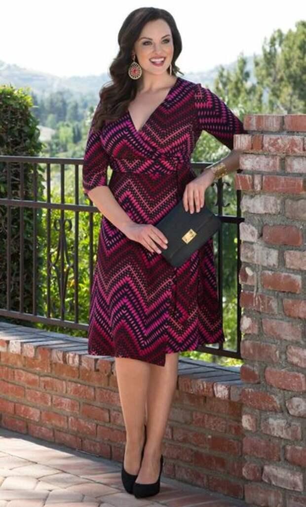 Фасоны платьев, которые стоит присмотреть к весне женщинам после 40 лет