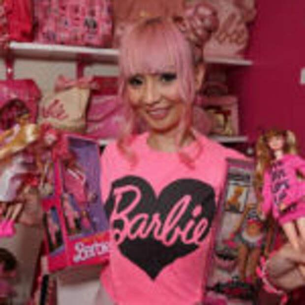 Поклонница куклы Барби из Лос-Анджелеса
