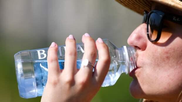 Врач-терапевт поддержала рекомендации Роспотребнадзора о способах спасения от жары