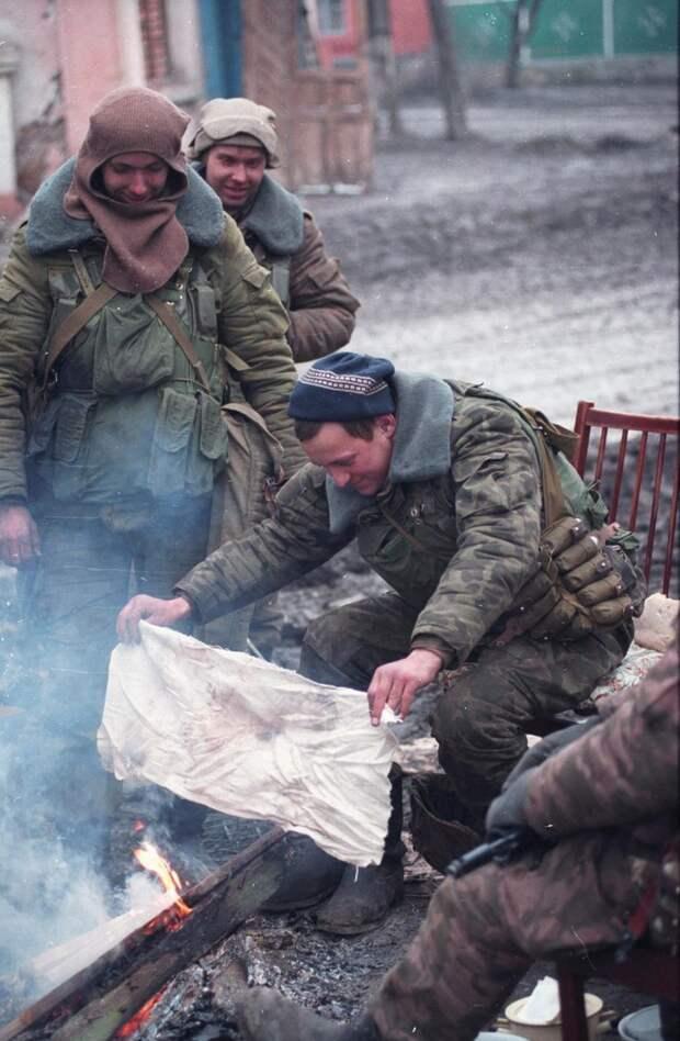 Чечня,  январь1995 г. Морпехи . Между боями.