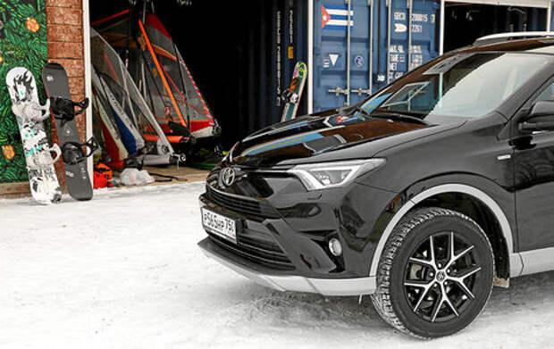 Полноприводная Toyota RAV4: куда заведет штатный Яндекс.Навигатор?