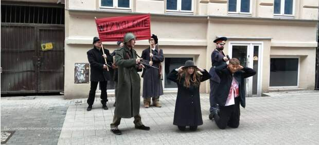 Ультраправые польские националисты надругались над памятью красноармейцев
