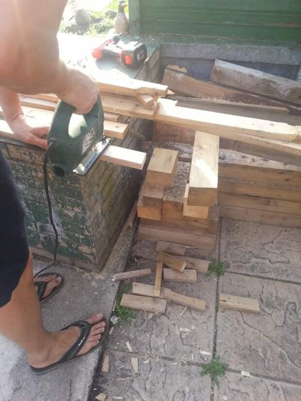 Идея отделки стены деревянной мозаикой. Дачный вариант дача, дерево, ремонт
