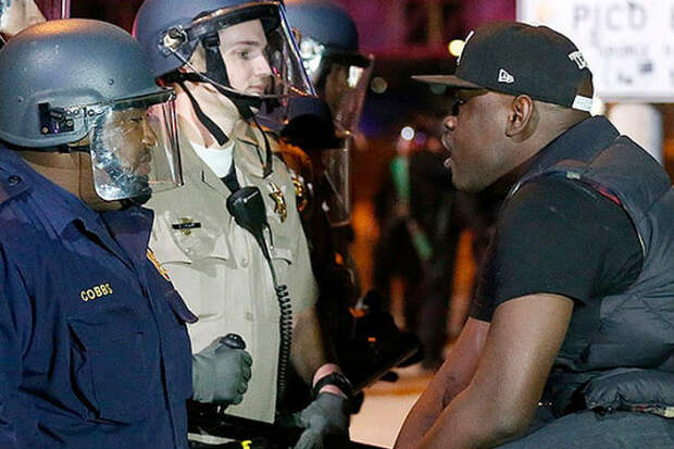 Почему американский полицейский стреляет без предупреждения