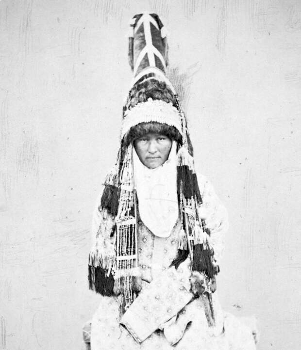 Dress_of_a_Kyrgyz_Woman.__Saukele__Turkish_a_Ceremonial_Hat_-_WDL_(cropped).png