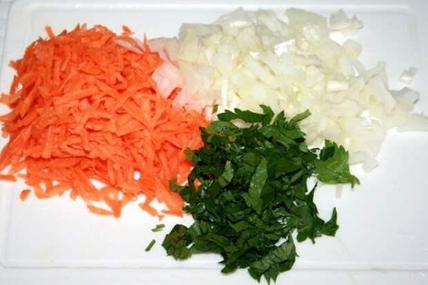 Карась с овощами в микроволновке: фото шаг 2