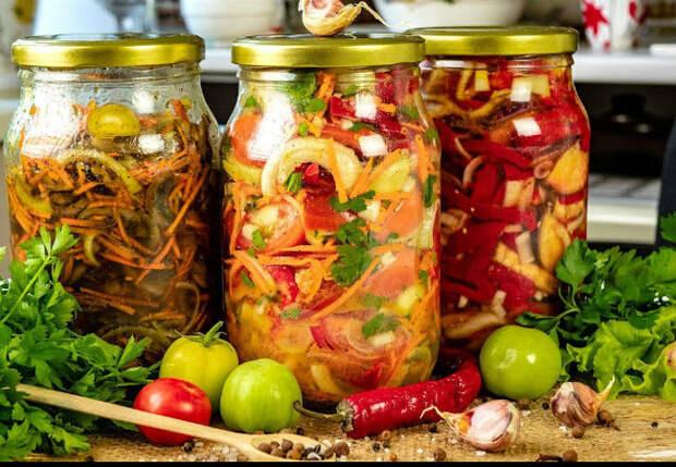Ленивые салаты на холода: готовим сразу по три банки