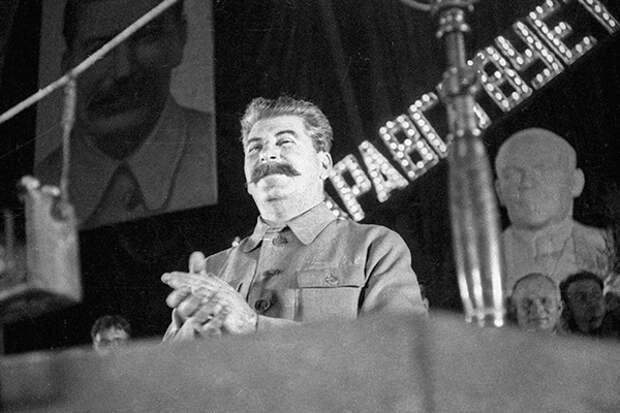 Жириновский счел вывод советских войск изВосточной Европы ошибкой