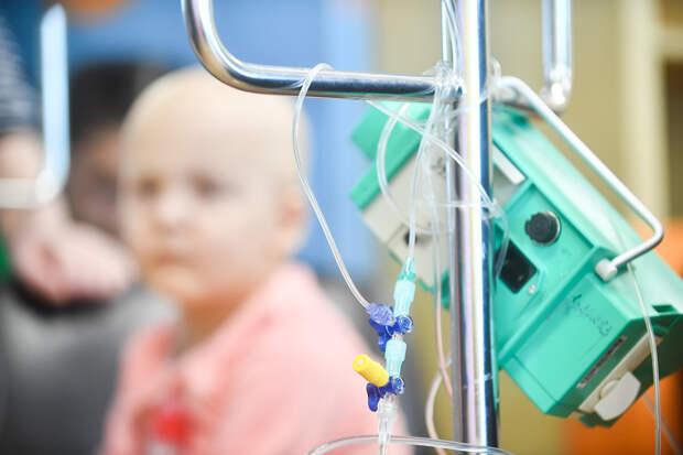 Онколог назвал симптомы рака крови у детей