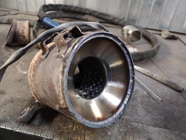 Нейтрализаторы очень дороги. |Фото: drive2.ru.