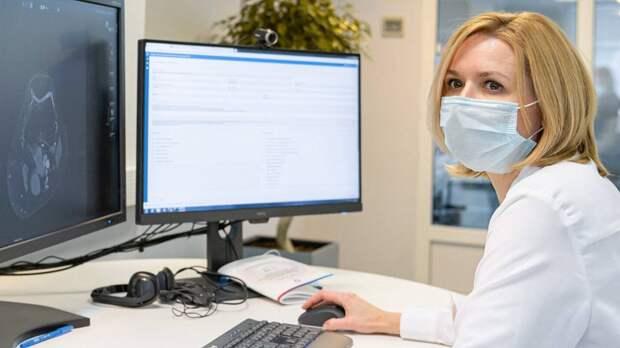 Вирусолог оценила вероятность одновременно заболеть ОРВИ и COVID-19