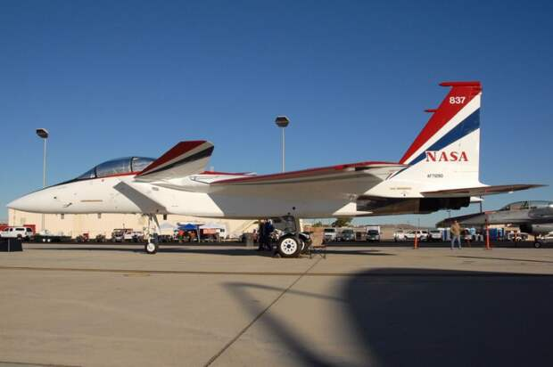 Интересная концепция воплощена в экспериментальном самолете NF-15B