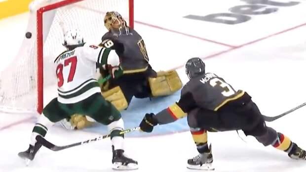Спасение года в мировом хоккее?! Капризов бросал в пустые ворота, но канадец Флери выбросил руку из-за спины: видео