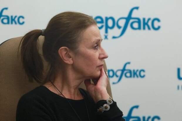 """После """"Зимней вишни"""" о красоте и таланте молодой Елены Сафоновой узнали миллионы. Сейчас актрисе 63 и выглядит она просто потрясающе (фото)"""