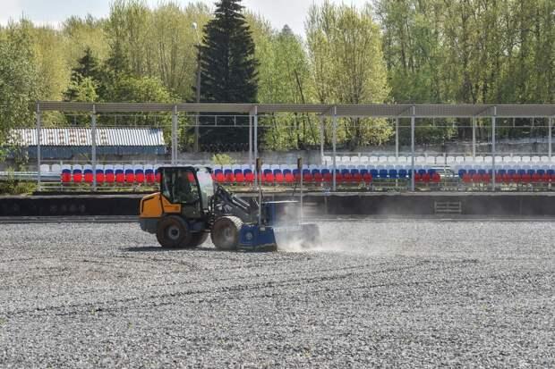 Стадион во Власихе реконструируют к осени. Там откроют ФОК и новое поле с трибунами