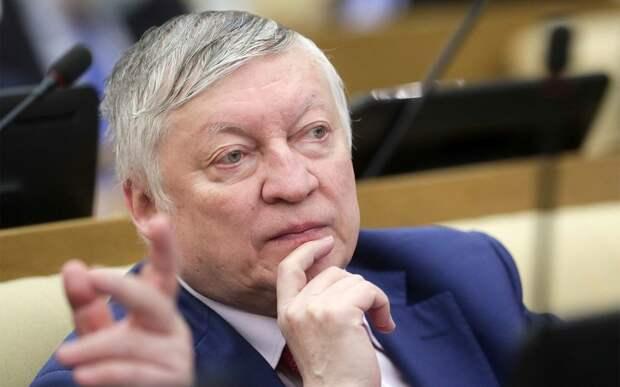 Анатолий Карпов: «Я никогда не получал зарплату в Фонде мира, хотя во времена СССР у нас на счету были миллиарды»