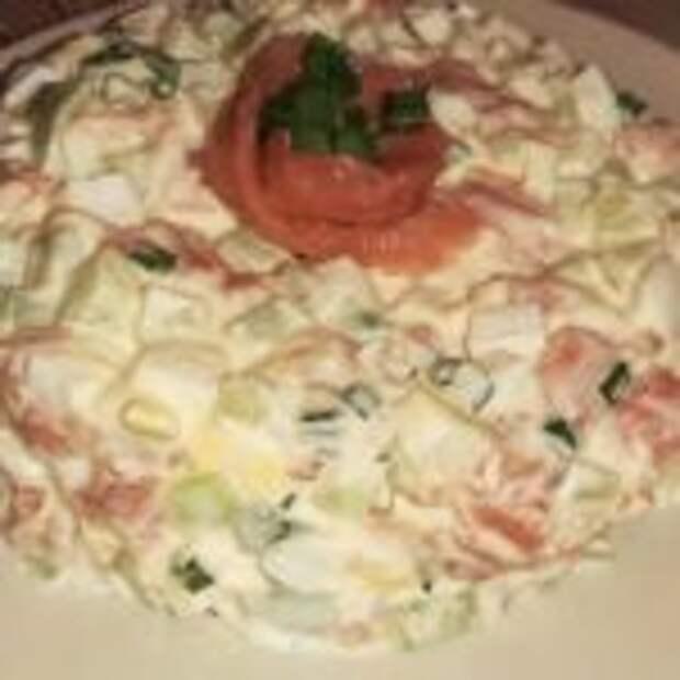 Простой салат с семгой