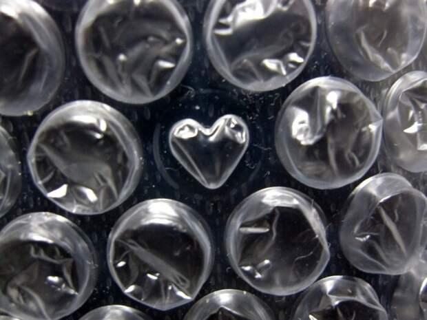 Тестирования подтвердили эффективность пленки с пузырьками, и теперь она пользуется огромным спросом / Фото: esquire.kz