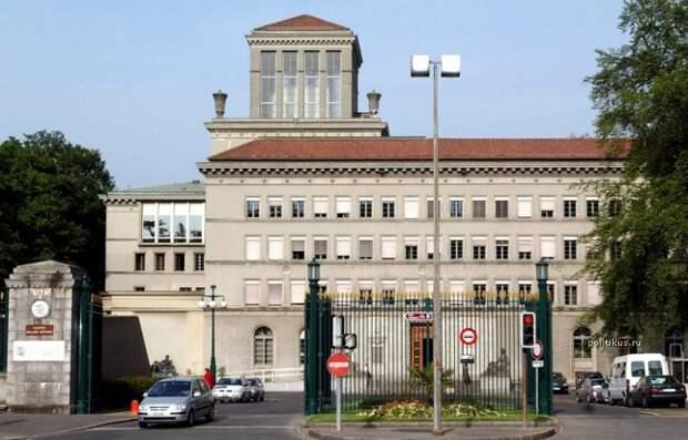 Медведев: Россия оспорит санкции США в ВТО