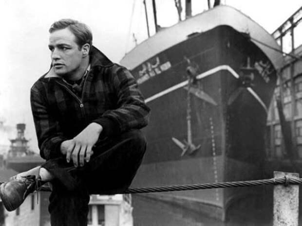 Почему гениальный Марлон Брандо отказался от «Оскара» и сбежал из Голливуда на Таити