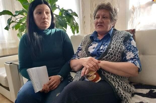 В Саратове завели дело на пенсионерку-дачницу, защищавшую мужа от пьяных хулиганов. Её обвиняют в причинении лёгкого вреда здоровью с помощью тяпки