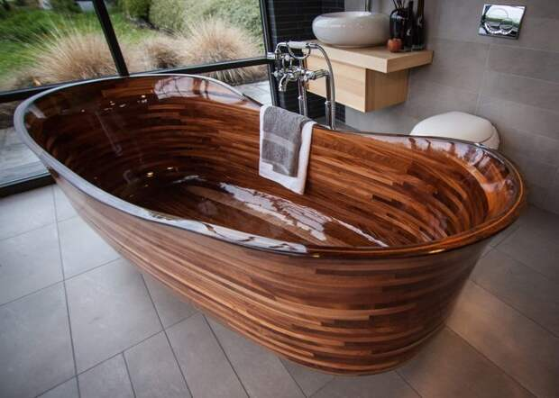 Бывший строитель лодок создает потрясающие ванны из дерева