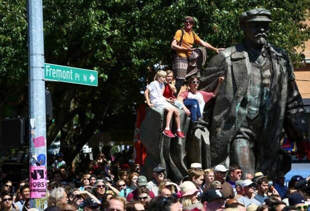 Скриптов Ленина хватит только на репрессии и концлагеря. Что будет с Америкой