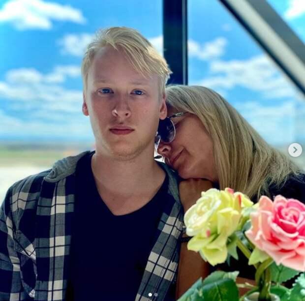 23-летний сын Дмитрия Харатьяна: как он сейчас выглядит