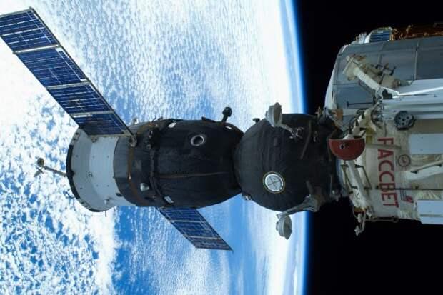 Российские космонавты начали первый в этом году выход в открытый космос