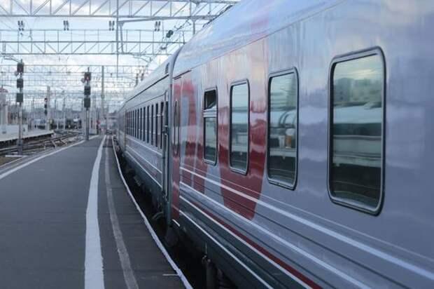 Три человека погибли при столкновении поезда и легковушки в Подмосковье