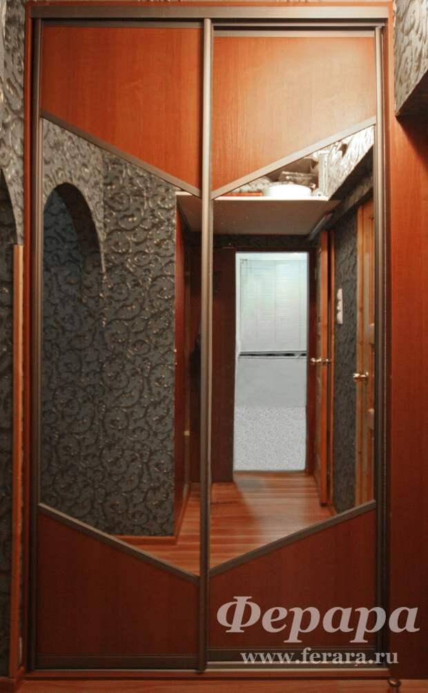 Корпусный шкаф-купе с зеркалом (стрела)