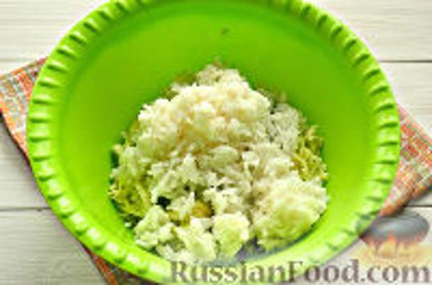 Фото приготовления рецепта: Постные рисовые котлеты с кабачком - шаг №5