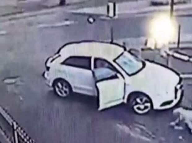 Британка отбила свой автомобиль у угонщика (ВИДЕО)