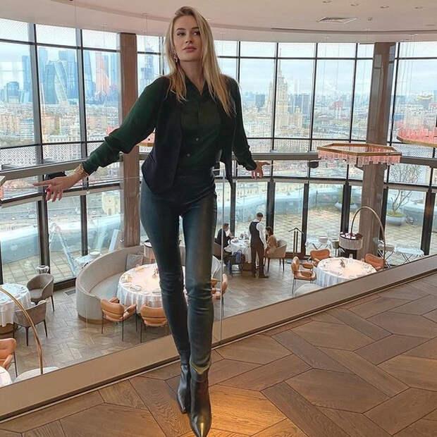 «Вижу не лучшую версию себя»: Елена Бушина набрала вес, побывав в США