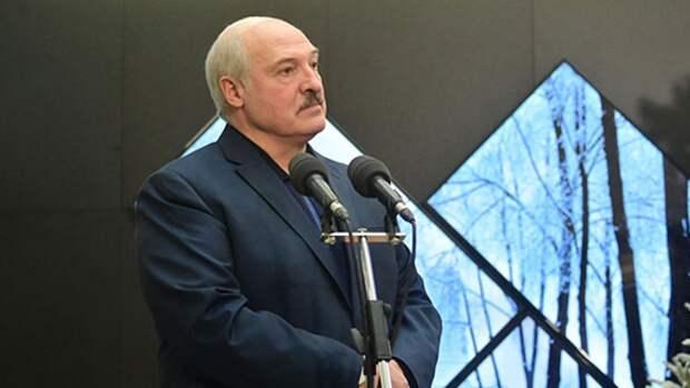 Лукашенко поручил силовикам усилить контроль на границе Белоруссии