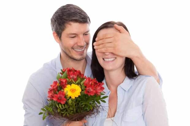 Обряд, который позволит усилить внимание мужчины к себе в начале знакомства