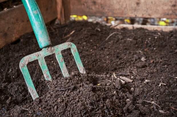 Как подготовить компостную кучу к зиме
