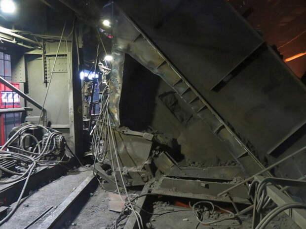 При обрушении на заводе, входящем в УГМК, погиб многодетный отец