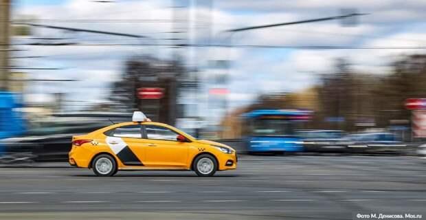 Столичные власти выделили средства на бесплатные перевозки врачей на такси / Фото: М.Денисов, mos.ru