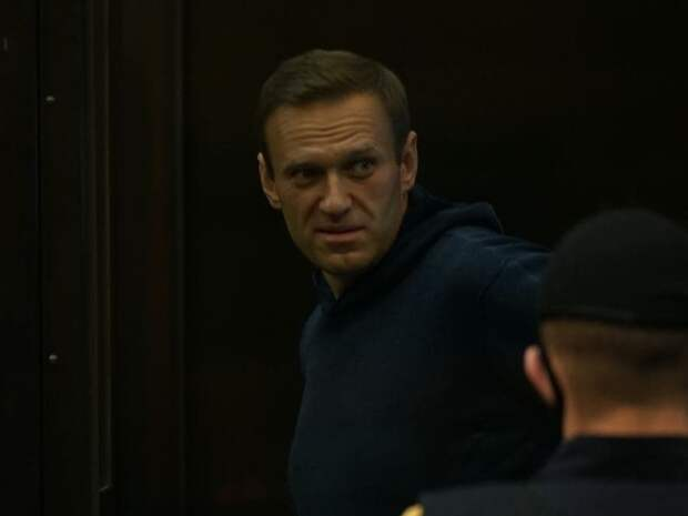 Прокуратура выступила против отмены приговора по делу о клевете Навального