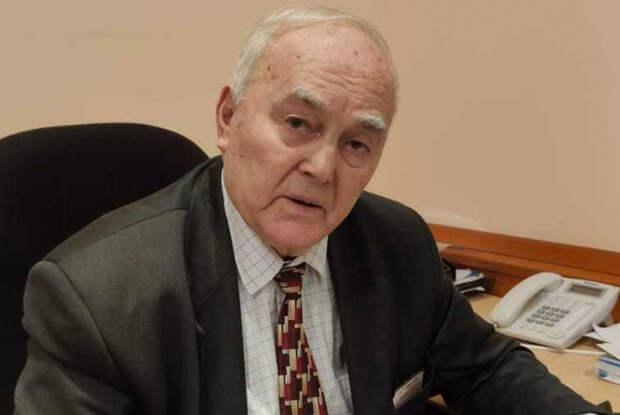 Борис Уваров