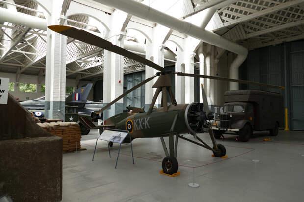 Avro Rota Mk.I, армейская версия Cierva C.30. Этот экземпляр хранится в Имперском военном музее в Даксфорде, Великобритания - Летающие глаза артиллерии   Warspot.ru