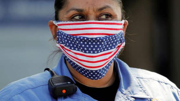 Reuters: в США хотят отменить масочный режим для привитых от COVID-19