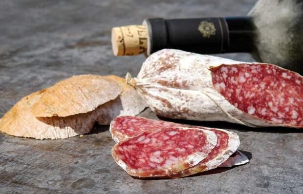 Диетолог опровергла выводы немецких учёных о вреде колбасы и мяса