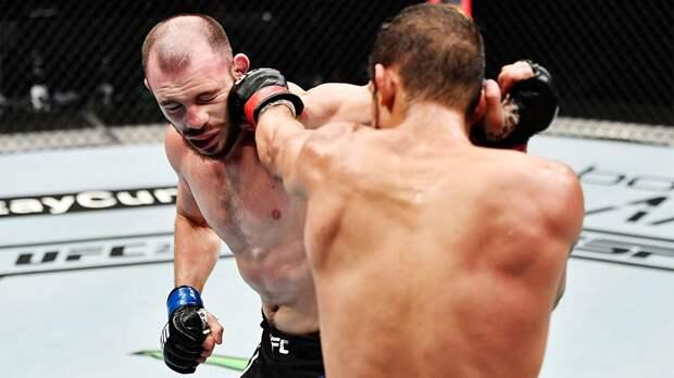 Русского бойца Богатова могут выгнать из UFC. Причин масса: от «неонацистской» тату его секунданта до ударов в пах