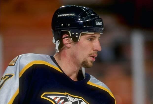 Экс-игрок НХЛ Коте требовал вернуть его втюрьму. Онпривлекался занаркотики иограбления банков